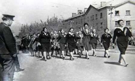 Демонстрация на улице Адамца