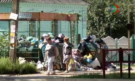 Харцызск постепенно освобождают от скопившегося мусора
